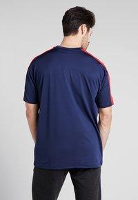 New Era - NFL NEW ENGLAND PATRIOTS OVERSIZED TEE - Klubbkläder - blue - 2