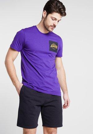 NBA LA LAKERS SQUARE LOGO TEE - T-shirt med print - true purple