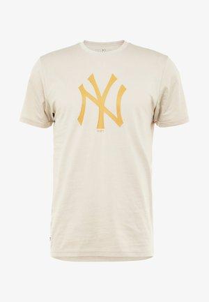 MLB NEW YORK YANKEES SEASONAL TEAM LOGO TEE - Klubové oblečení - sand