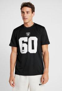 New Era - NFL OAKLAND RAIDERS SUPPORTERS TEE - Print T-shirt - black - 0