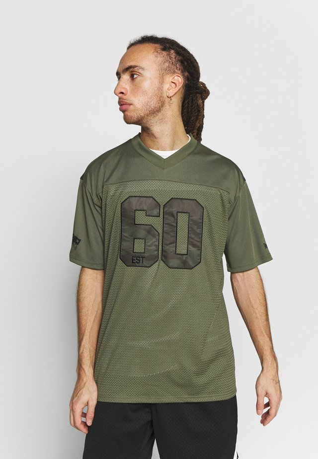 NFL NEW ENGLAND PATRIOTS CAMO COLLECTION - Klubové oblečení - mottled olive