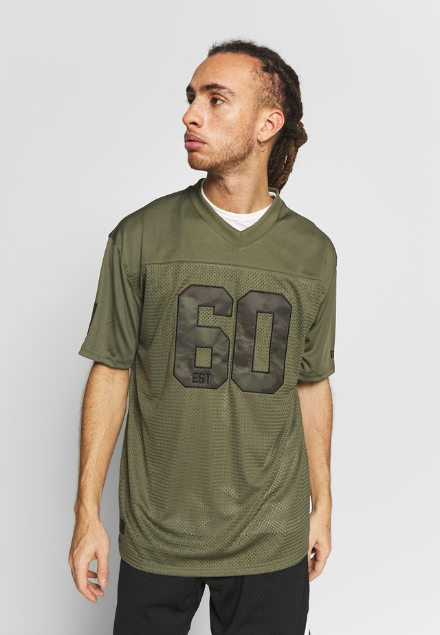 NFL OAKLAND RAIDERS CAMO COLLECTION - Klubbkläder - mottled olive