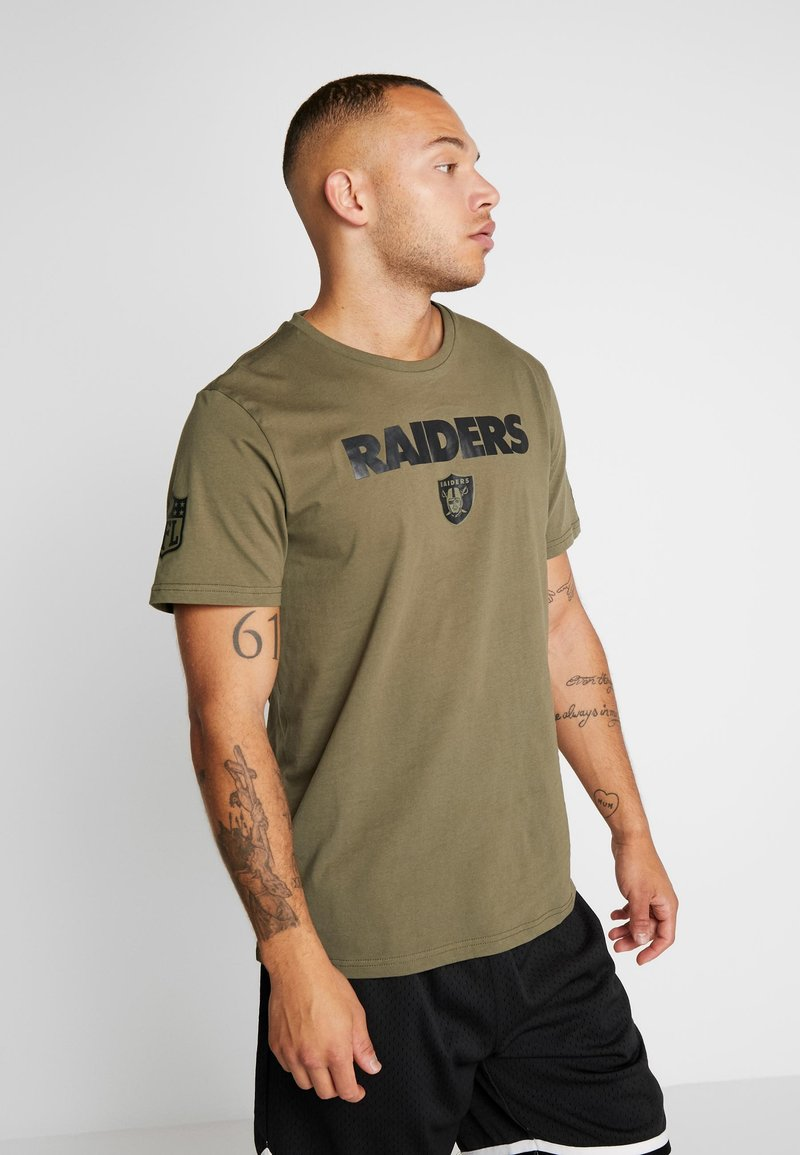 New Era - NFL OAKLAND RAIDERS CAMO COLLECTION TEE - T-shirt med print - mottled olive/khaki