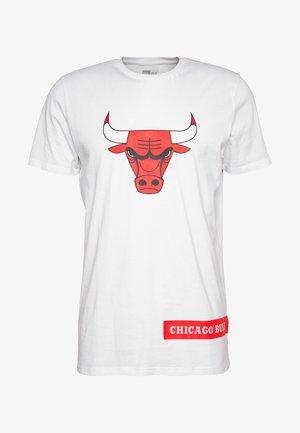 NBA BLOCK WORDMARK TEE CHICAGO BULLS - Article de supporter - white