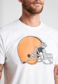 New Era - NFL CLEVELAND BROWNS LOGO TEE - Club wear - white - 3