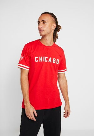 NBA WORDMARK TEE CHICAGO BULLS - Article de supporter - front door red