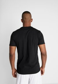 New Era - FAR EAST GRAPHIC TEE - Print T-shirt - black - 2