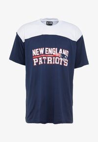 New Era - NFL STACKED WORDMARK OVERSIZED TEE NEW ENGLAND PATRIOTS - T-shirt con stampa - oceanside blue - 4