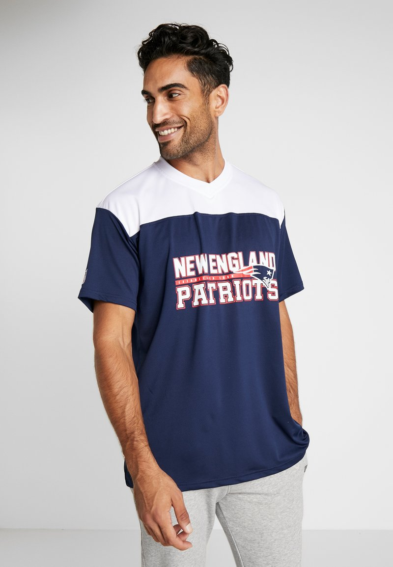New Era - NFL STACKED WORDMARK OVERSIZED TEE NEW ENGLAND PATRIOTS - T-shirt con stampa - oceanside blue