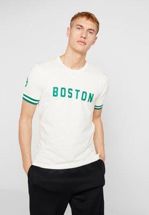 NBA WORDMARK TEE BOSTON CELTICS - T-shirt imprimé - off white