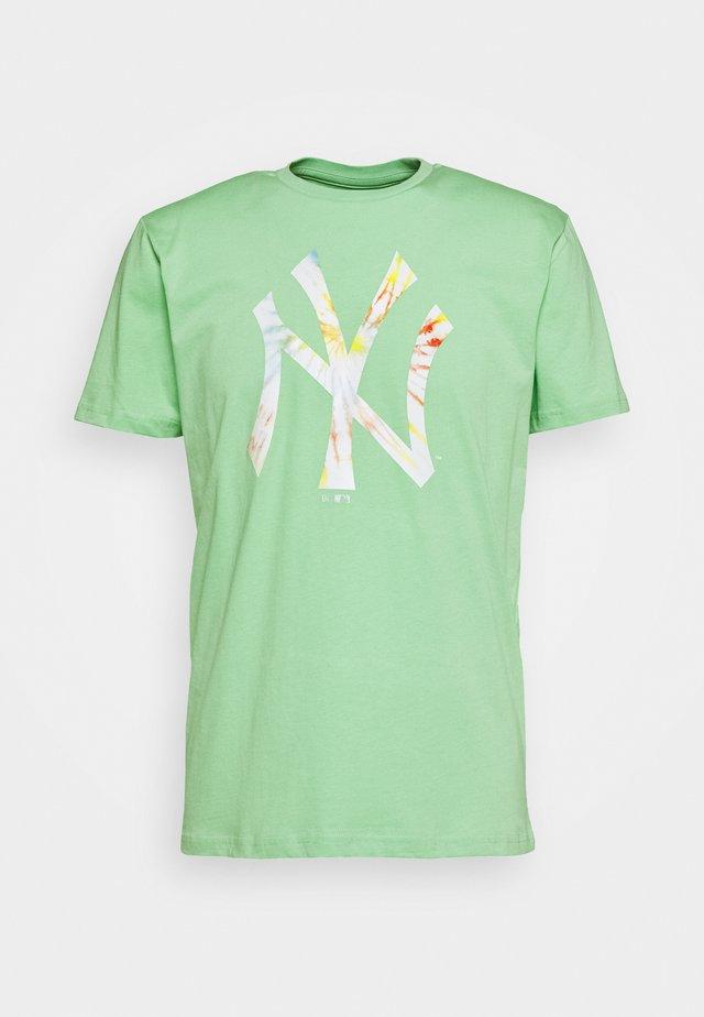 INFILL TEAM LOGO TEE NEW YORK YANKEES - Print T-shirt - mottled teal