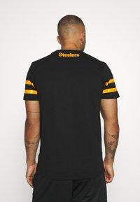 New Era - NFL ELEMENTS TEE PITTSBURGH STEELERS - Klubové oblečení - black - 2