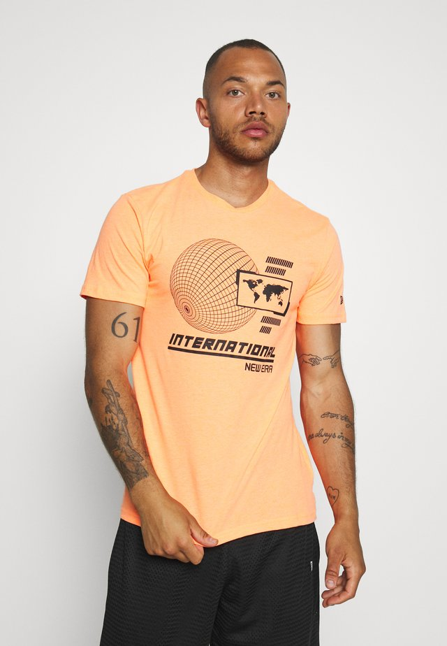 GRAPHIC TEE  - T-shirt z nadrukiem - orange