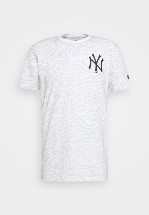 ALL OVER PRINT TEE NEW YORK YANKEES - T-shirt med print - white