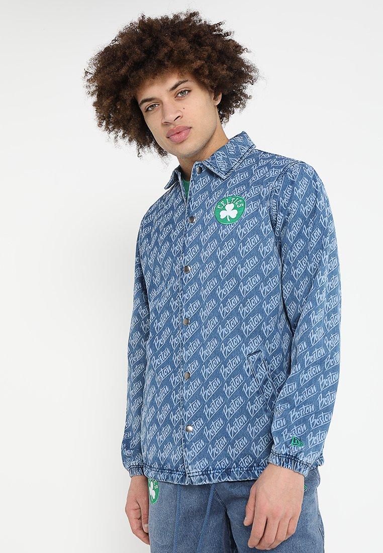 New Era - NBA BOSTON CELTICS COACH JACKET  - Klubbkläder - denim