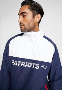 New Era - NFL NEW ENGLAND PATRIOTS COLOUR BLOCK  - Trainingsvest - blue - 5