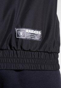 New Era - NFL OAKLAND RAIDERS COLOUR BLOCK  - Vindjacka - black - 5