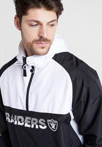 New Era - NFL OAKLAND RAIDERS COLOUR BLOCK  - Vindjacka - black - 3