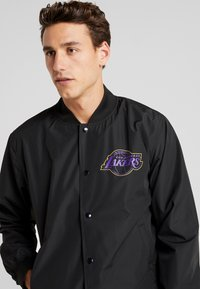 New Era - NBA LA LAKERS TEAM LOGO  - Training jacket - black - 4