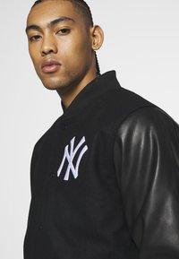 New Era - MLB HERITAGE VARSITY JACKET NEW YORK - Article de supporter - black - 3