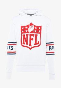 New Era - NFL BADGE HOODY - Article de supporter - white - 4