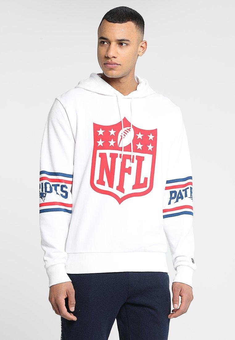 New Era - NFL BADGE HOODY - Article de supporter - white