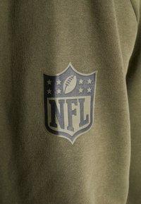 New Era - NFL OAKLAND RAIDERS CAMO COLLECTION HOODY - Hættetrøjer - mottled olive/khaki - 6