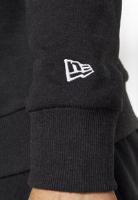 New Era - NFL LEAGUE ESTABLISHED CREW NFL GENERIC LOGO - Sweatshirt - dark grey - 5