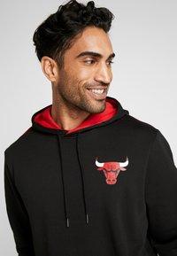 New Era - NBA STRIPE PIPING HOODY CHICAGO BULLS - Luvtröja - black - 3