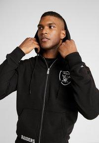 New Era - NFL TEAM LOGO FULL ZIP HOODY OAKLAND RAIDERS - Club wear - black - 3
