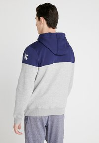 Fanatics - MLB NEW YORK YANKEES PANNELLED HOODIE - Article de supporter - dark blue - 2