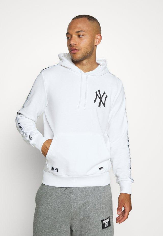 MLB TAPING HOODY NEW YORK YANKEES - Klubbklær - white