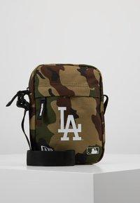 New Era - MLB SIDE BAG - Taška spříčným popruhem - multi-coloured - 0