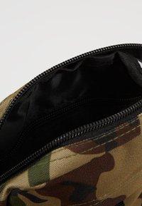 New Era - MLB SIDE BAG - Taška spříčným popruhem - multi-coloured - 4