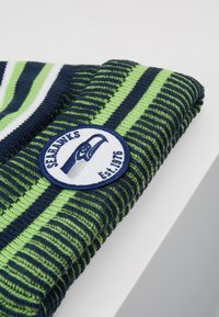 New Era - NFL SEATTLE SEAHAWKS ON FIELD COLD WEATHER BEANIE - Mössa - blue/green - 2