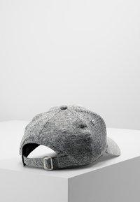 New Era - TECH 9FORTY - Cap - grey - 2