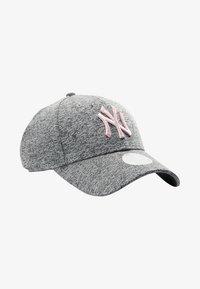 New Era - TECH 9FORTY - Cap - grey - 6