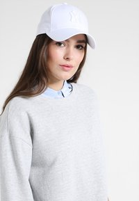 New Era - WOMENS ESSENTIAL - Casquette - optic white - 1