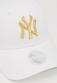 New Era - FEMALE WMNS METALLIC 9FORTY - Cap - new york yankees whi - 2