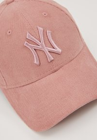 New Era - FEMALE WMNS PASTEL CORD 9FORTY - Cap - pink - 2