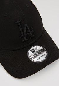 New Era - MLB LEAGUE ESSENTIAL  - Cap - black - 6