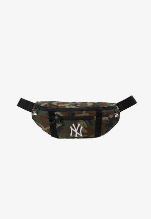 WAIST BAG LIGHT NEW YORK YANKEES  - Handbag - green