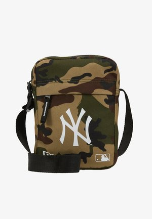 MLB SIDE BAG NEW YORK YANKEES WOODLAND OPTIC  - Across body bag - green