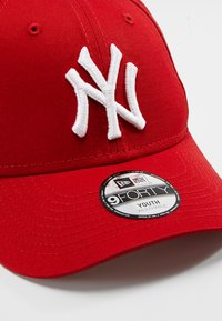 New Era - FORTY MLB LEAGUE NEW YORK YANKEES - Kšiltovka - red - 2