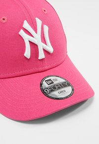 New Era - FORTY MLB LEAGUE NEW YORK YANKEES - Lippalakki - pink - 2