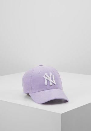 9FORTY NEW YORK YANKEES - Lippalakki - flieder