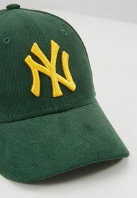 New Era - 9FORTY NEW YORK YANKEES - Lippalakki - dark green - 2