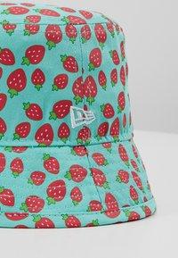 New Era - BABY STRAWBERRIES - Sombrero - mint/red - 2