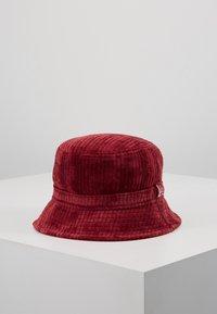 New Era - BUCKET HAT - Hat - cardinal - 0