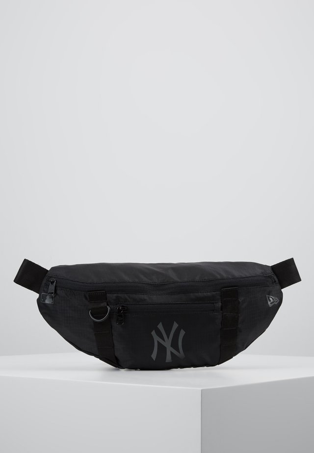 WAIST BAG LIGHT - Vyölaukku - black